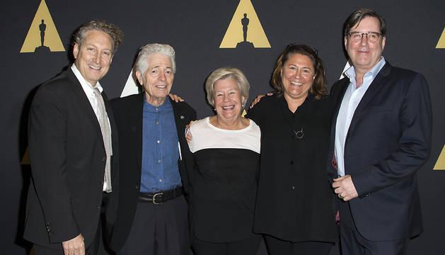 Bernard Tesley, Mike Fenton, Juliet Taylor, Lora Kennedy y David Rubin posan durante la celebración del acto 'La elección perfecta: el arte del director de casting'.