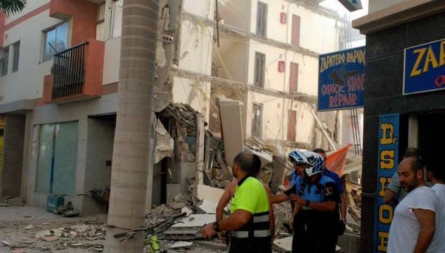 Derrumbe en la calle Valle Menéndez número 12.