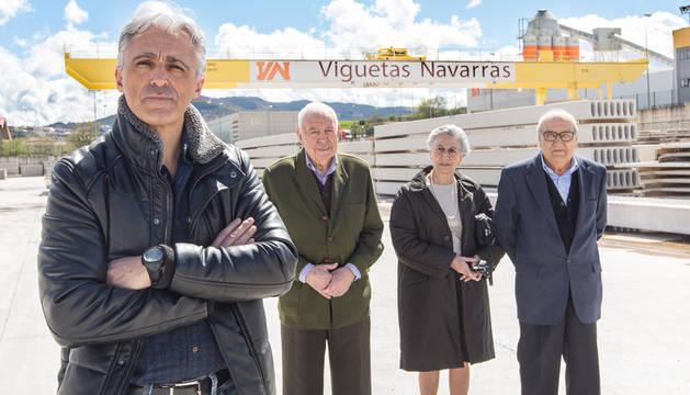 Luis Ilundaín Ardanaz (gerente), Luis Ilundáin Eugui, Javier Esparza San Julián y Marichu San Juan (viuda de Abel Arrieta Eugui)