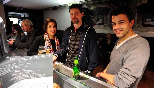 Ángela Alfaro, Israel Villanueva y José Antonio García, miembros de la organización.