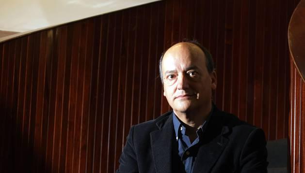 Encuentro literario con Martín Garzo en la Biblioteca de Navarra