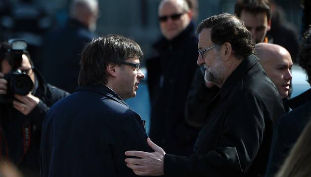 Rajoy se reunirá con Puigdemont el 20 de abril en La Moncloa