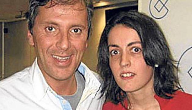 El periodista Paco González junto a Lorena Gallego, que intentó asesinar a su mujer.