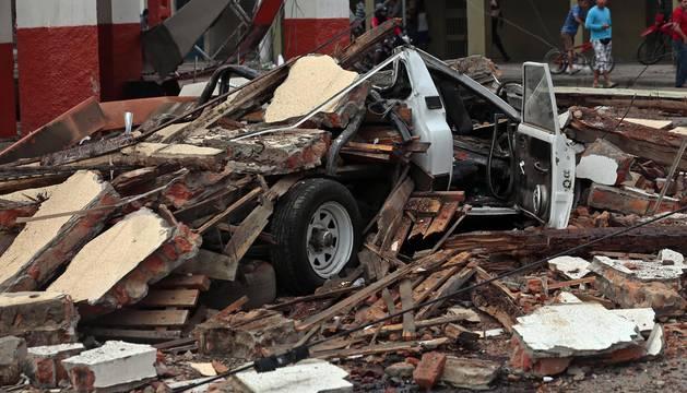 Al menos 77 muertos por un terremoto de 7,8 grados en la costa de Ecuador
