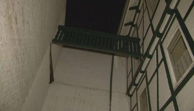 Estado en el que quedó el balcón.