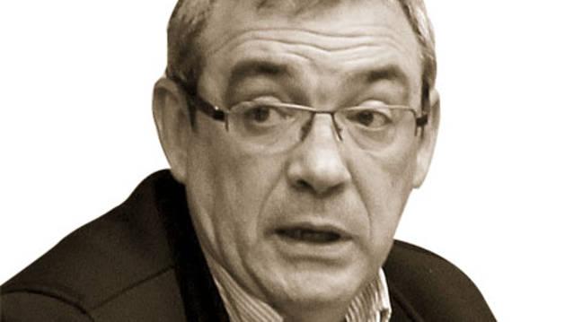 Tomás Caballero y la ikurriña