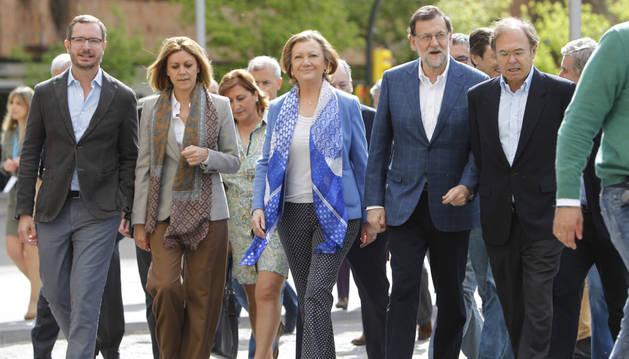 Mariano Rajoy, María Dolores de Cospedal, Luisa Fernanda Rudi, Javier Maroto y Pío García-Escudero, en Zaragoza.