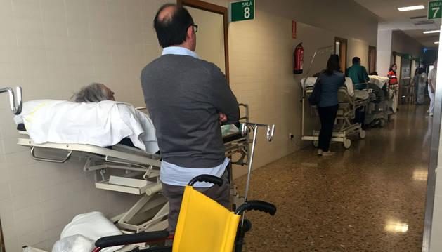 Quejas por largas esperas en pasillos de Urgencias del hospital de Tudela