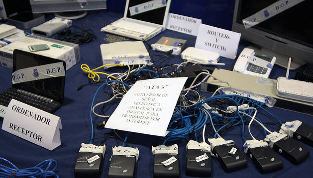 Material incautado a un grupo que pirateó líneas telefónicas.