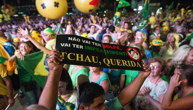 Rousseff queda a un paso de un juicio que le puede costar el cargo