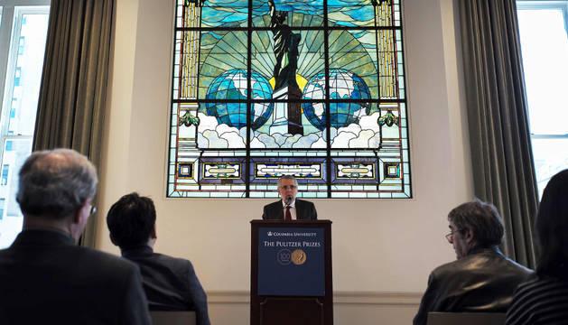 Mike Pride, en la ceremonia de entrega de los Premios Pulitzer.