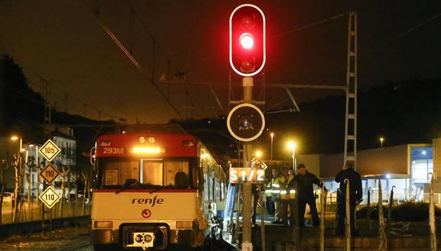 Cinco heridos leves al chocar un tren en la estación de Hernani