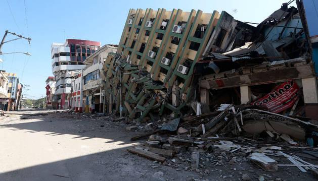 Ecuador ha sufrido la mayor tragedia natural en 70 años.