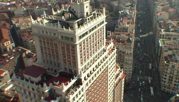 El Edificio España visto desde el aire.