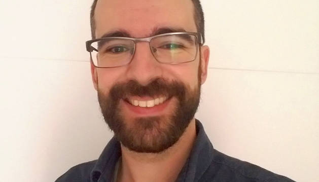 Fernando Remiro, Democracia y política comparada