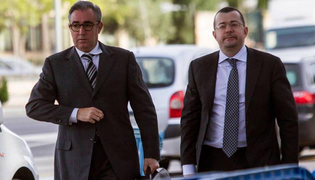 Diego Torres (i) y su abogado Manuel González Peeters.