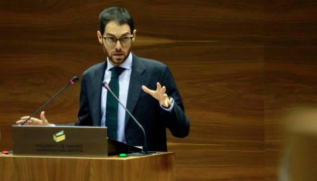 Sergio Sayas, en una intervención en el Parlamento.