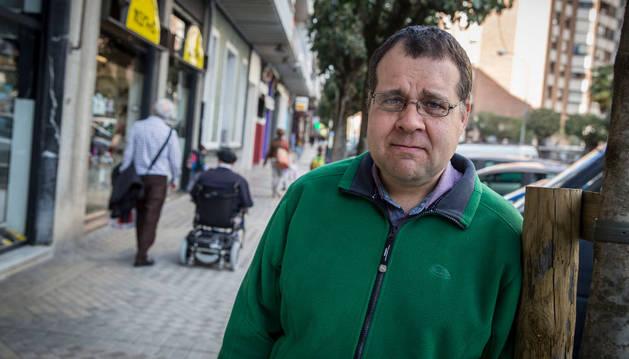 Eloy Carballo Gil, en la calle Abejeras de Pamplona.