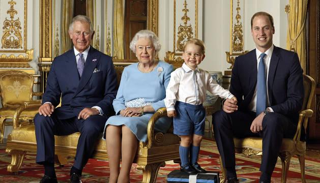 Isabel II cumple hoy 90 años y empieza tres meses de celebraciones