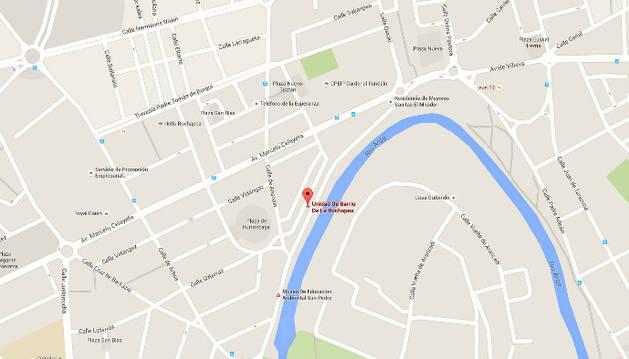 Sofocado el incendio de un vehículo en el Barrio de la Rochapea
