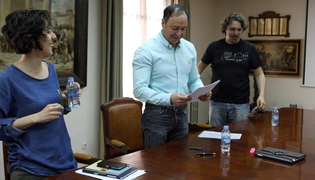 De izda. a dcha., Marisa Marqués, José Ángel Andrés y Dani López.