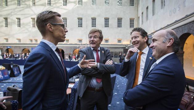 El ministro de Economía español en funciones, Luis de Guindos, durante una reunión informal en Holanda.