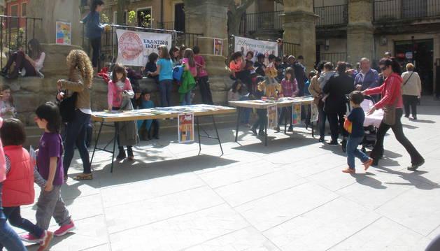 Celebración en Viana del día del libro en su edición anterior.