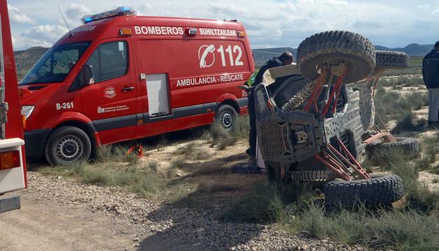 Una mujer, herida grave al volcar el buggy que conducía en las Bardenas