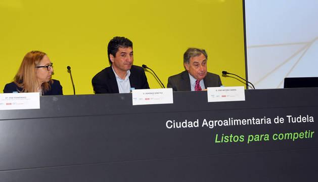 Paz Fernández, Domingo Sánchez y José Antonio Sarría.