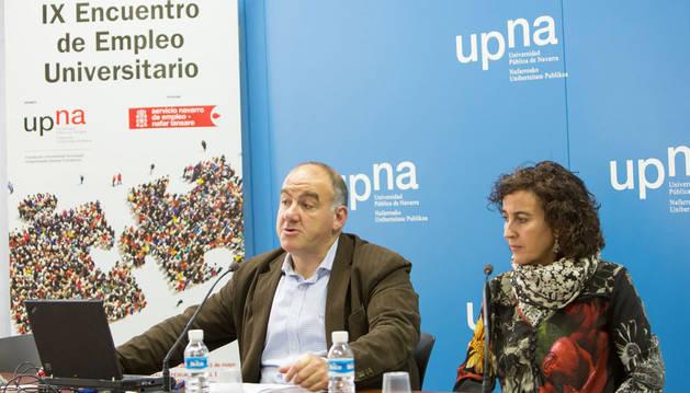 Cristina Bayona y Juan Gallego en la presentación del IX Encuentro de Empleo Universitario