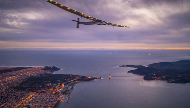 El 'Solar Impulse', en pleno vuelo.