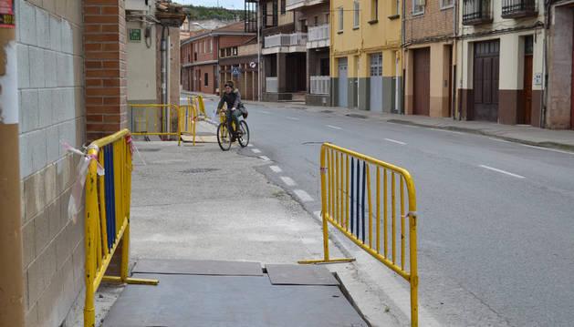 Detalle de los trabajos en la Carretera de Cárcar, esquina El Peso.