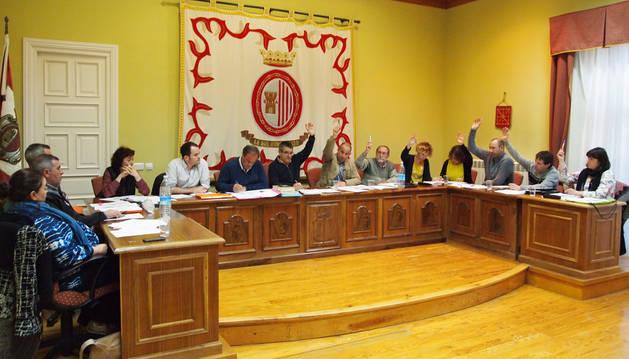 Los ediles de la APS y de EH Bildu unieron sus votos para sacar adelante el presupuesto de 2016.