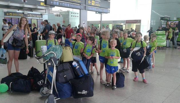 Niños ucranianos acogidos en Navarra se despiden al final del pasado verano.