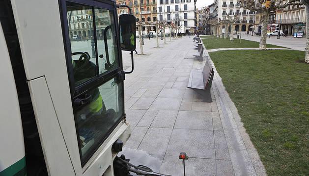 El Ayuntamiento destinará 47,1 millones para la limpieza viaria de Pamplona