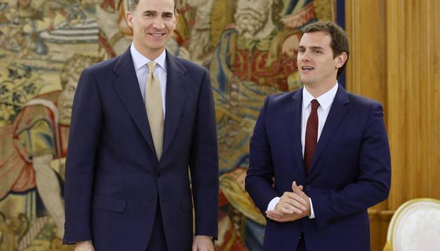 Rivera expresa al Rey la preocupación de C's por el bloqueo institucional
