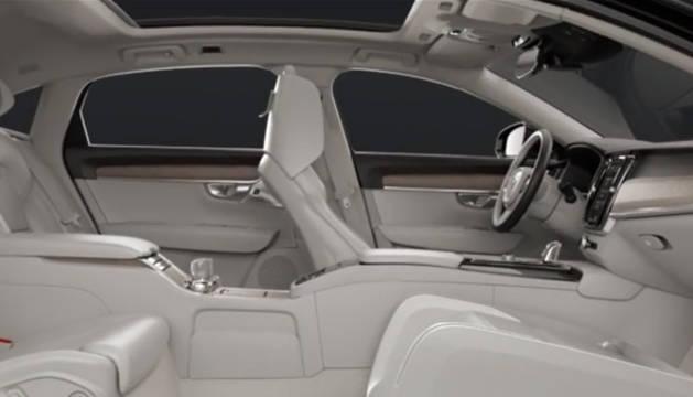 El salón rodante más lujoso viaja en un Volvo
