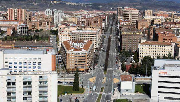 Imagen de la avenida Pío XII de Pamplona, con 1,5 Km de longitud, es una de las principales arterias circulatorias de la ciudad.