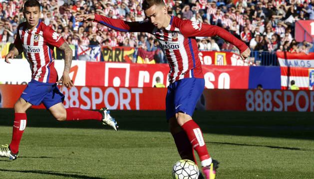 Griezmann desatasca al Atlético y mantiene la presión al Barcelona
