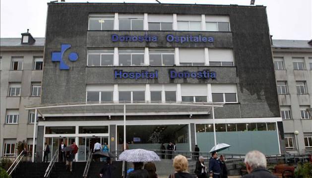 Fachada del hospital Donostia de San Sebastián.