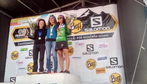Laura Sola, en el podio.