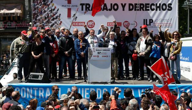 Los secretarios generales de CCOO y UGT, Ignacio Fernández Toxo y Pepe Álvarez, al término de la manifestación con motivo de la celebración del Primero de Mayo.