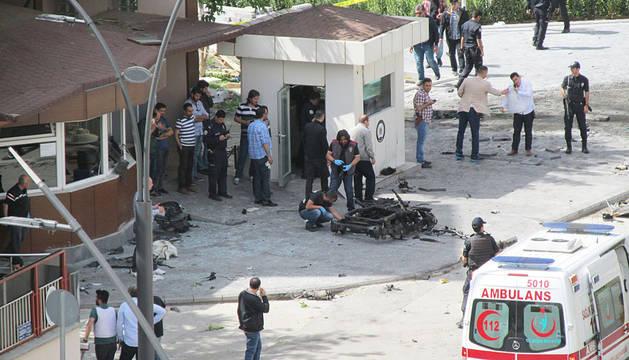 Un atentado suicida causa dos muertos y 22 heridos al sur de Turquía