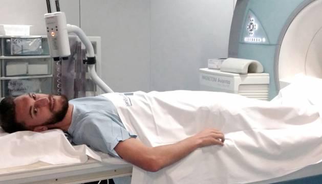 Roberto Torres, durante las pruebas médicas.