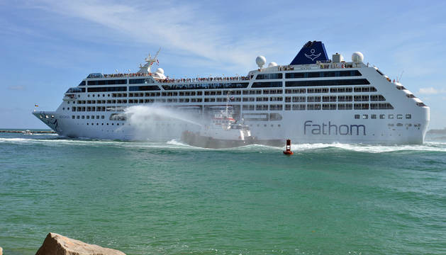 El 'Adonia' se convierte en el primer crucero de EE UU a Cuba en 50 años