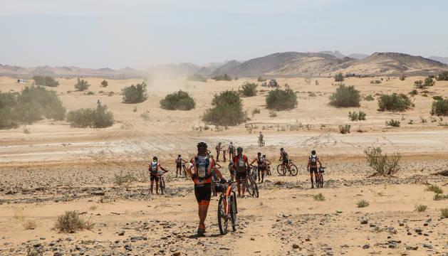 Navarros en la Titan Desert 2016