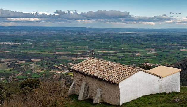 Ermita de San Cipriano en Montejurra.