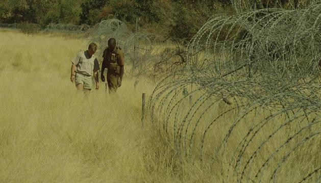Fotograma de la serie documental 'Al otro lado'.