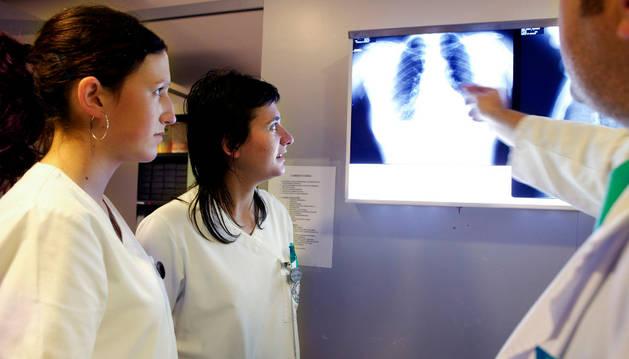 Prácticas de estudiantes de Enfermería de la UPNA en el Complejo Hospitalario de Navarra.