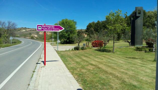 El Gobierno instala señalización viaria indicativa del Parque de la Memoria